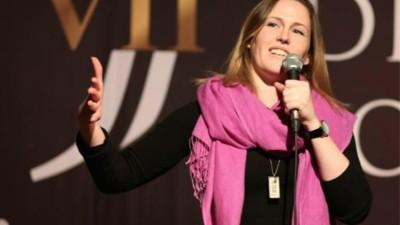 Een ontmoeting met de vrouw die een comedyshow over verkrachtingen heeft gemaakt