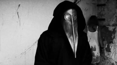 Der Mann mit der Pestmaske ist zurück