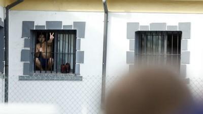 La condena de tener un familiar preso lejos de casa en España