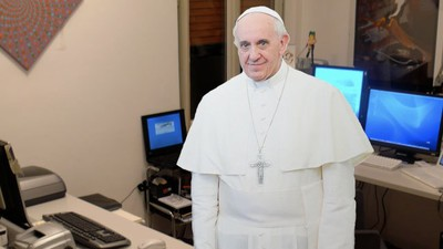 Pope Francis Thinks Social Networking Is a 'Gift of God'