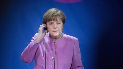 Beweist Angela Merkels Asylpolitik, dass sie psychische Probleme hat?