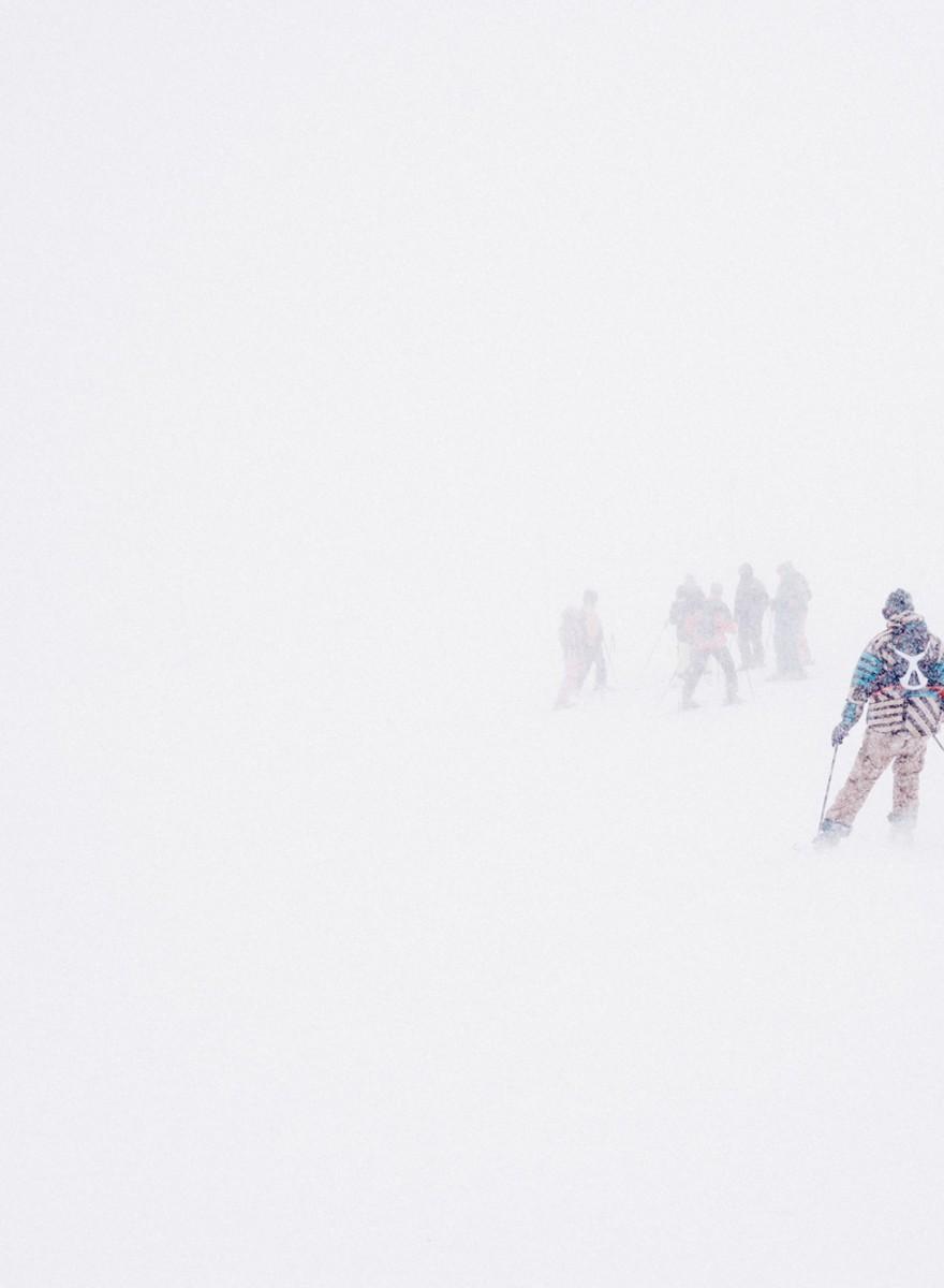 Peisajele astea cu zăpada de pe Postăvaru par rupte din ultimul film al lui Tarantino
