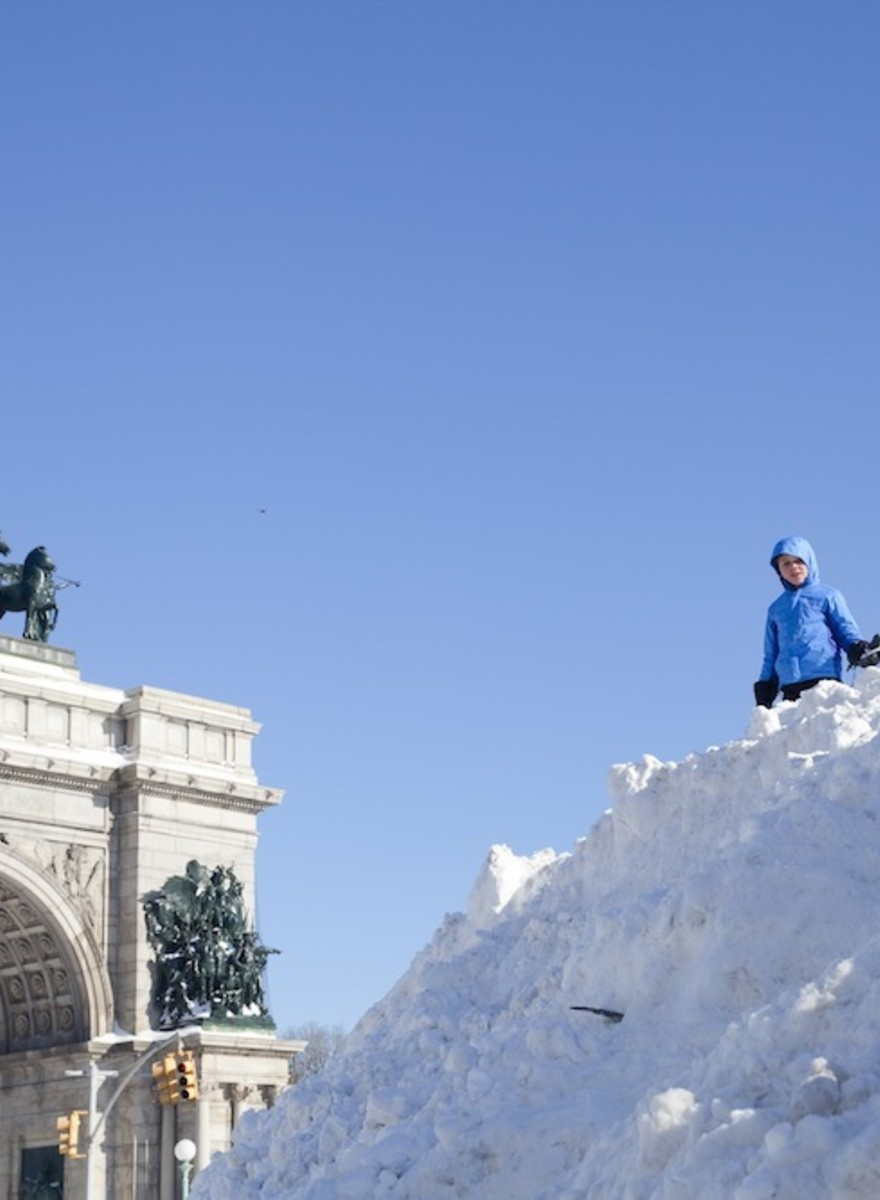 Photos of New York in the Aftermath of the Snowstorm That Shut Down the City