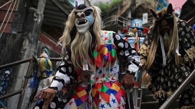 O fim da Folia de Reis no Morro Santa Marta, no Rio de Janeiro