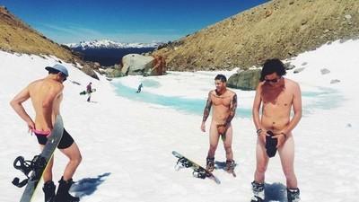 Wie australische Bros kanadische Skiorte in niemals endende Junggesellenabschiede verwandeln