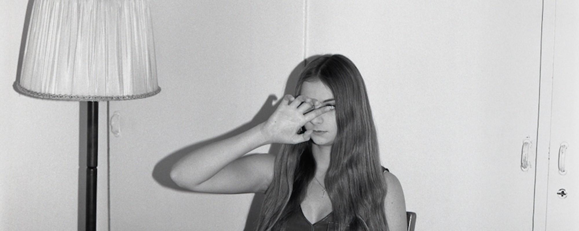 Billeder af sårbare og stærke teenagepiger