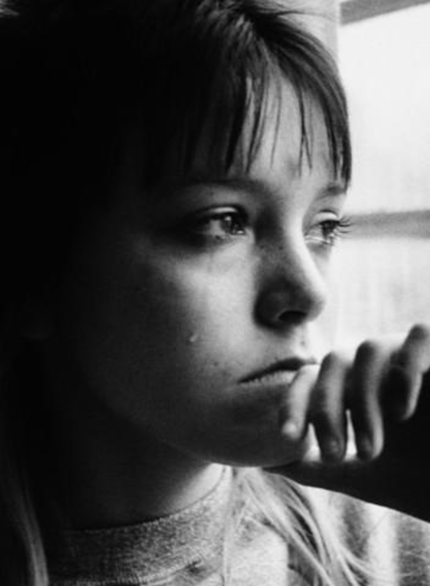 Fotografiile astea spun povestea unei prostituate de 13 ani