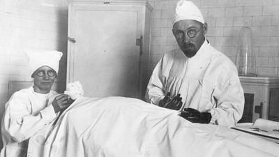 Le « docteur » qui greffait des couilles de boucs sur des hommes