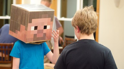 YouTube Personalities Use 'Minecraft' to Prey on Underage Fans