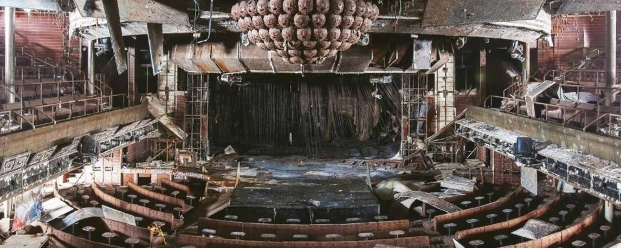 Fotografii din epava unui vas de lux naufragiat