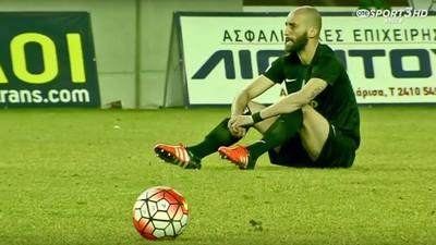 Así protestaron los futbolistas griegos por la terrible situación de los refugiados