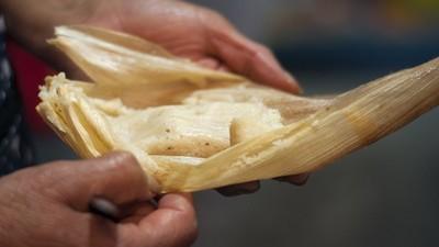 A comer tamales a Milpa Alta