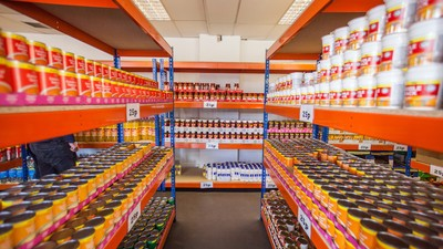 Welcome to easyJet's Food Bank-Themed Supermarket
