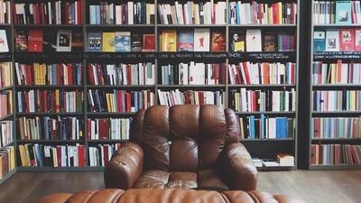 A Milano le librerie indipendenti esistono, i centri sociali no