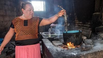 """Mexická kuchyně """"mušés"""", lidí třetího pohlaví"""