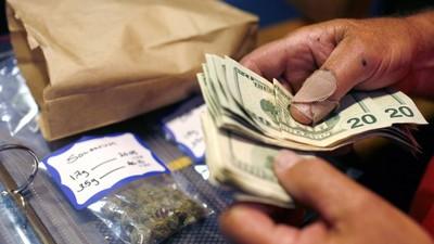 Le business de la weed légale génère tellement de cash que les magasins ne savent plus où le ranger