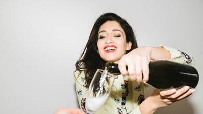 Las mujeres que no utilizan un método anticonceptivo deben mantenerse alejadas del alcohol