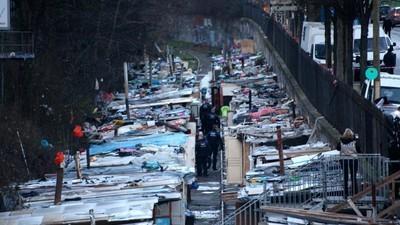 En imágenes: el desalojo del barrio marginal más grande de París