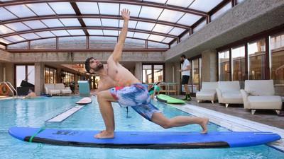 Hacer surf en el hotel Hilton de Madrid