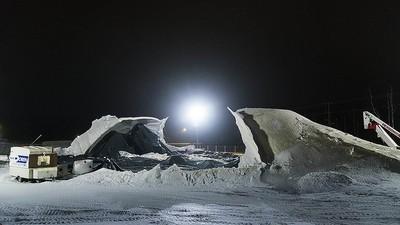 De ijsbrug die Eindhovense studenten aan het bouwen waren is vannacht ingestort