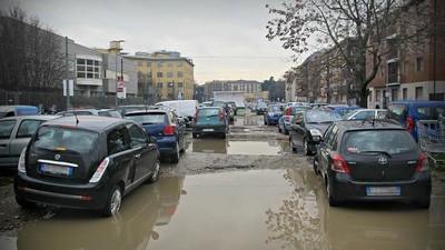 Dentro al contrabbando di auto rubate dalle mafie ex-URSS a Milano