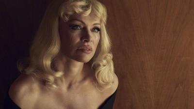 Nel mondo surreale e inventato di Pamela Anderson