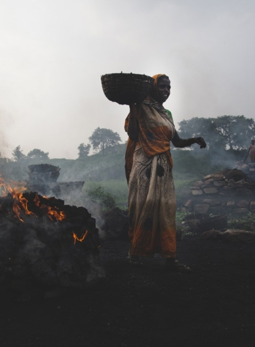 Foto da una cittadina mineraria indiana che brucia da 100 anni