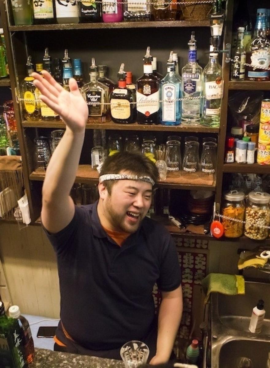 Foto's van de piepkleine gaybars van Tokio