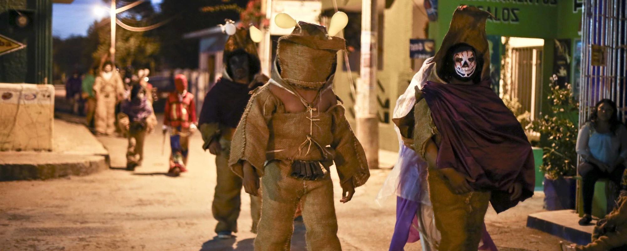 Fotos: Los osos del carnaval del Nunkiní, Campeche
