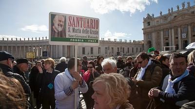 Mi sono unito ai fan di padre Pio a Roma per capire come si diventa devoti
