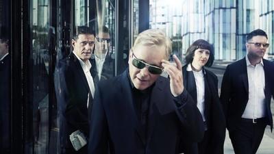 Platicamos con New Order sobre composición musical