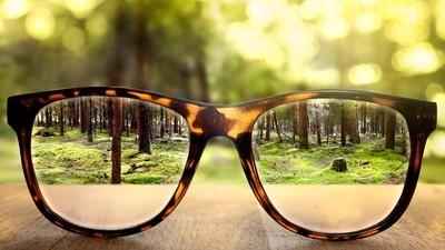 Jumătate din planetă o să poarte ochelari până în 2050