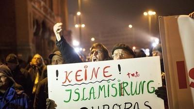 """""""Asylkritiker"""" haben keine Rechtschreibschwäche, sondern sind Opfer eines gemeinen Komplotts"""