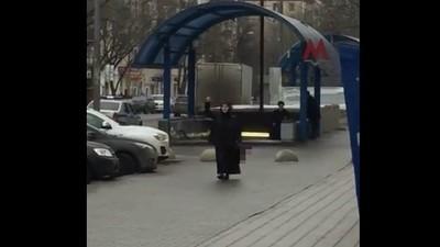 Arrestada mientras paseaba con la cabeza de una niña decapitada en el metro de Moscú