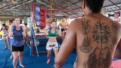 Muay Thai de dragón en la provincia de Phuket