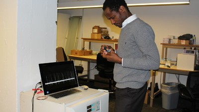 Este hombre está creando un ordenador a partir de cerebros