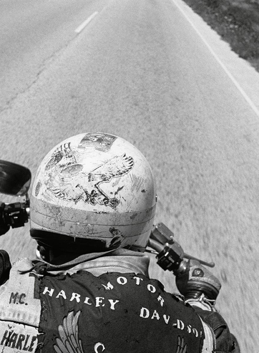 La vida sobre una moto (y a toda hostia) de García-Alix