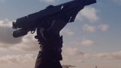 Diese Netz-Kanone fängt unerwünschte Drohnen einfach wieder ein