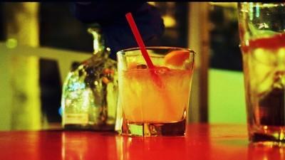 O noapte de beție îți afectează sănătatea o săptămână întreagă