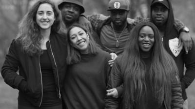 Team Buck Mode erklärt, warum es wichtig ist, als Tänzer eine Crew zu haben