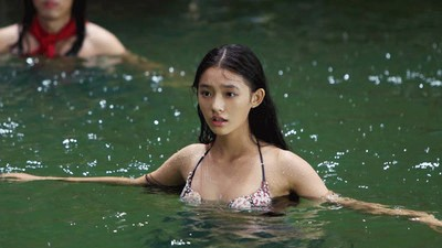 Why Is Everyone in China Flipping Out Over This Rom-Com About a Mermaid?