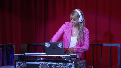 Everything I Learned About DJing from Netflix's 'Full House' Reboot