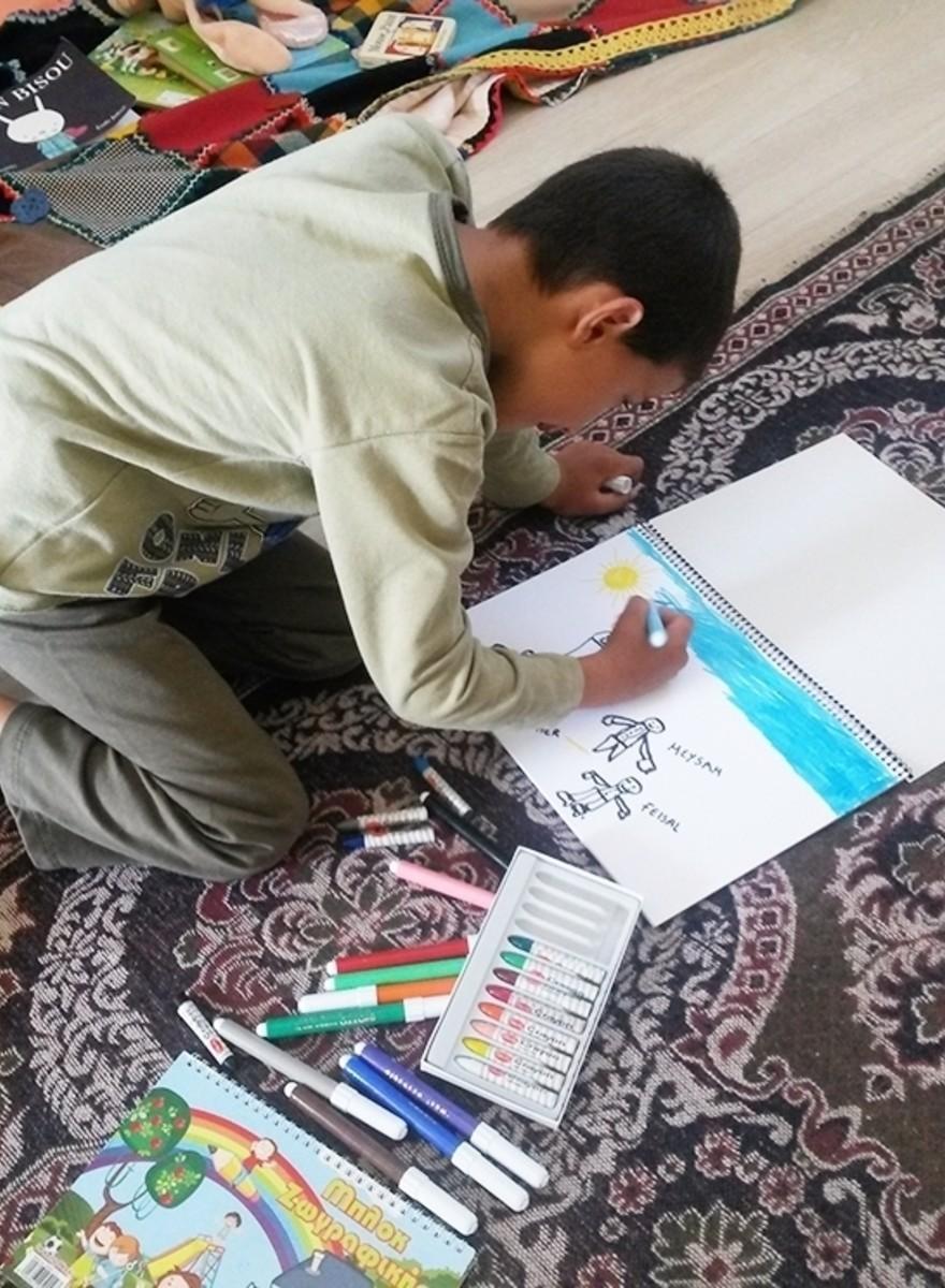 Tekeningen van vluchtelingenkinderen die in hun eentje naar Europa zijn gekomen
