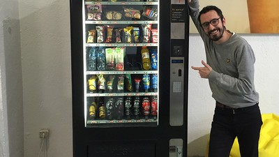 Sobreviví durante una semana a base de productos de máquinas expendedoras