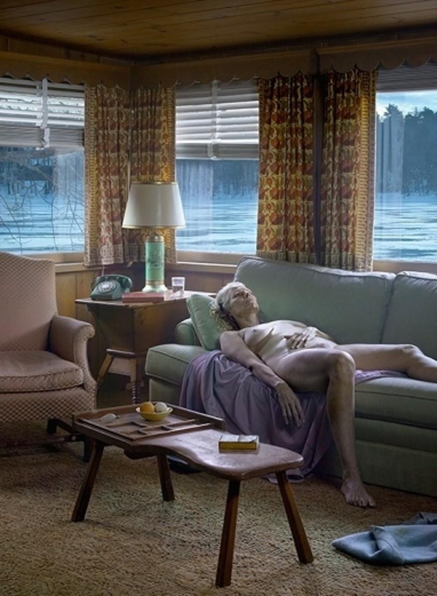 Meisterfotograf Gregory Crewdson inszeniert die Surrealität von Vorstadt