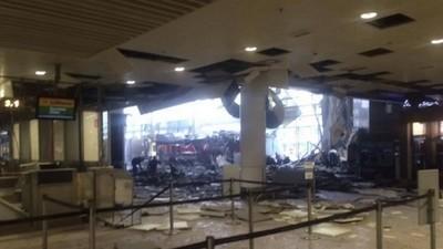 Twitterbilder: Bombenexplosionen erschüttern Flughafen und U-Bahn von Brüssel
