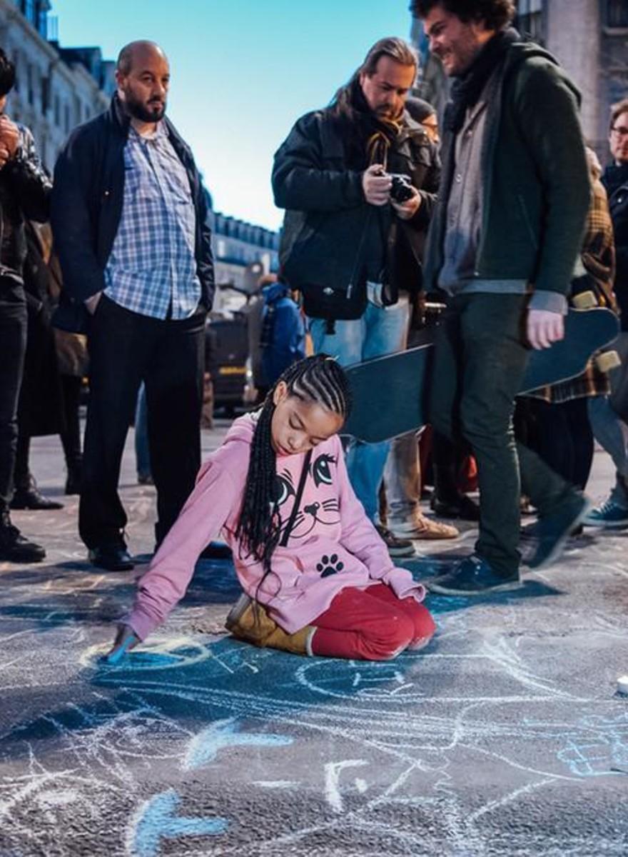 Stoepkrijt en soldaten: de avond na de aanslagen in Brussel