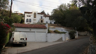 Here's What It's Like to Try and Sell LA's Most Notorious Murder House
