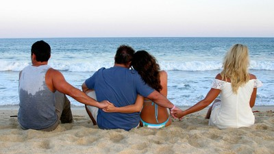 How to Have an Open Relationship Without Annoying the Shit Out of Everyone