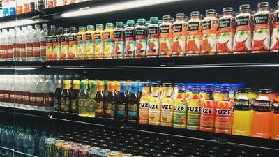 Sucurile naturale din comerț sunt adevărate bombe de zahăr